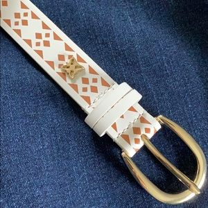 BCBGeneration white tribal print belt M NWT
